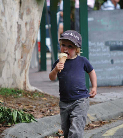 Boy-with-icecream-2