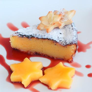 White-chocolate,-mango,-pom
