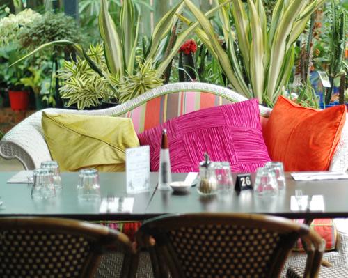 Sofa-at-Gillian-Hirst-Cafe