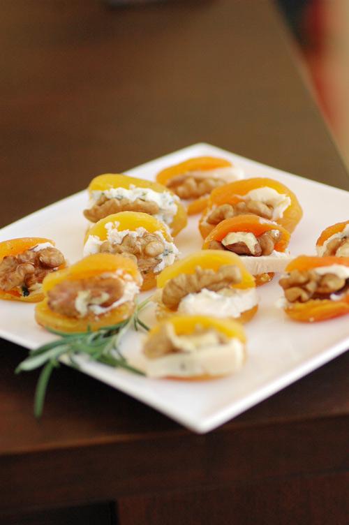 Stuffed-apricots
