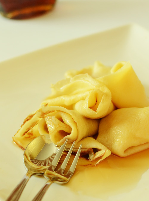 Crepes-maple-syrup